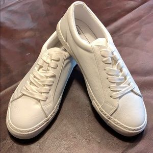 ASOS DESIGN trainers in White NWT